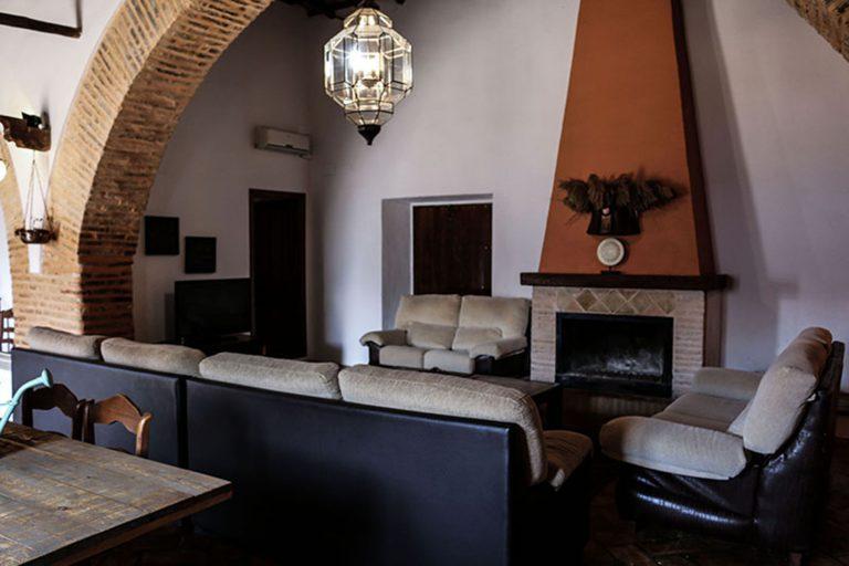 salón grande casa rural Ecija